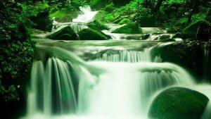 waterfall-1309204_640